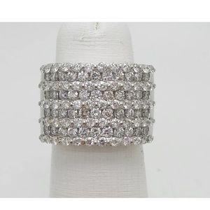 Gorgeous 2.25 carat 14k white gold diamond ring